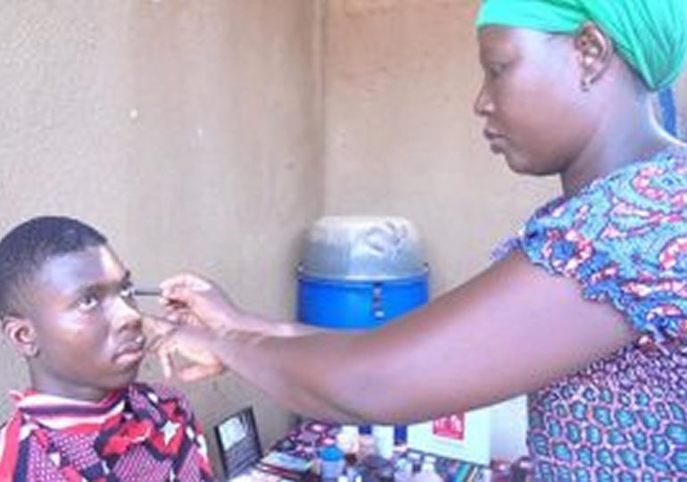 Ama Lingani : Maquilleuse de cinéma