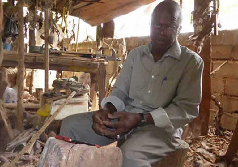 Sirikiba Camara: Artiste sculpteur