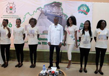 Des tee-shirts, des chaussettes et des sous-corps 100 % « made in Burkina »