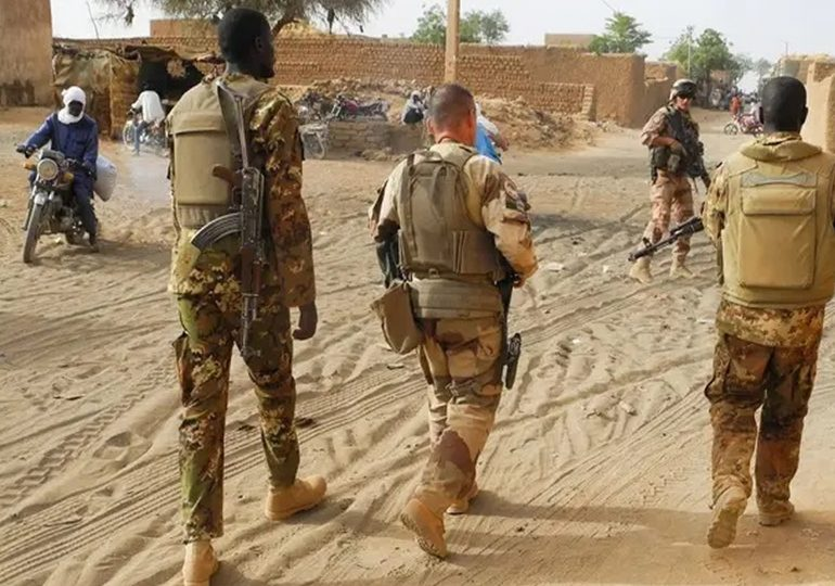 Mali : Les forces de l'ordre dispersent des opposants à la présence militaire française