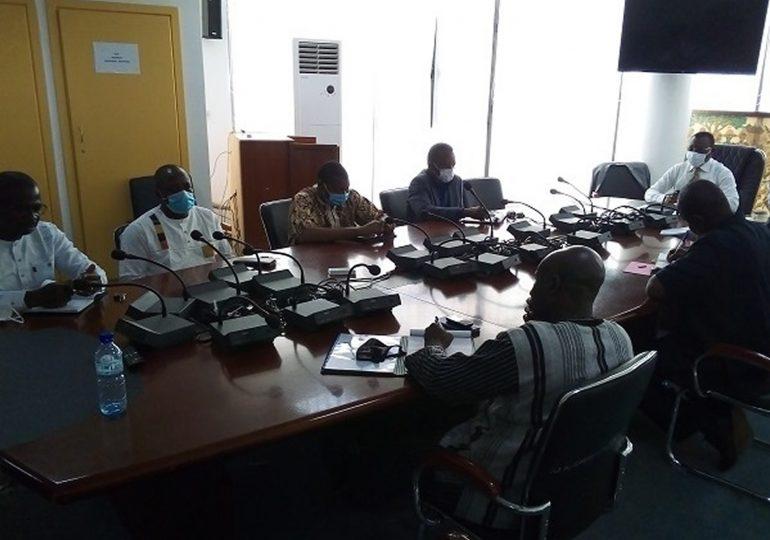 Burkina: le ministre de la Communication recueille les préoccupations des médias en ligne