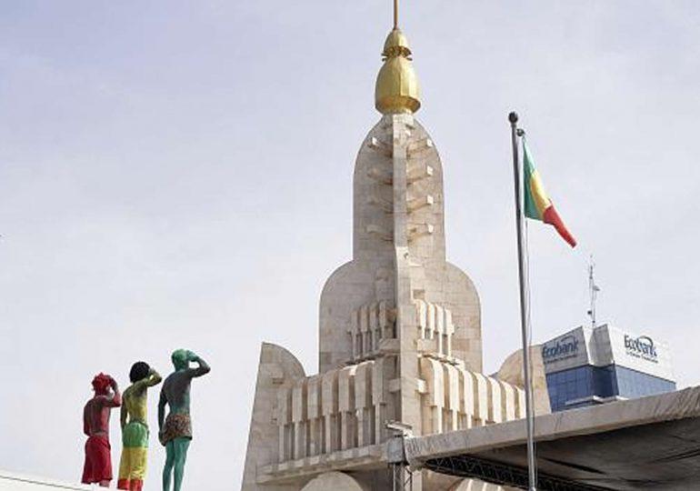 Mali : les partisans du M5 fustigent la position française