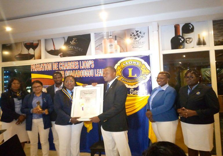 SOCIETE: Hamidou OUEDRAOGO passe le témoin à Kotima KABORE au LION'S Club Ouagadougou Leader