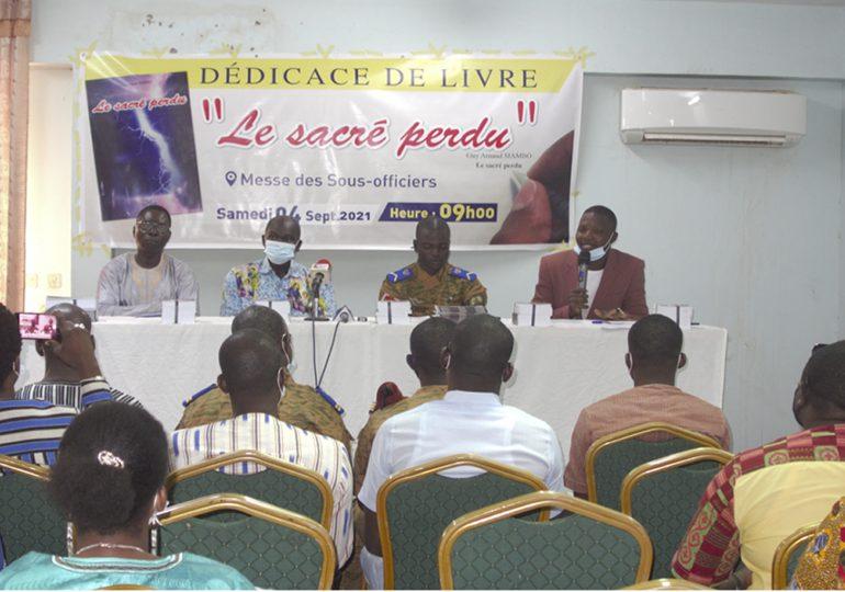 Dédicace: «Le sacré perdu», une œuvre de Guy Arnaud SIAMBO